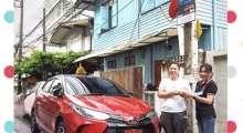 ส่งมอบรถโตโยต้า-ยาริส-1-2sport-premium-สีแดงหลังคาดำ-คุณวิมลจิรา-ลูกค้